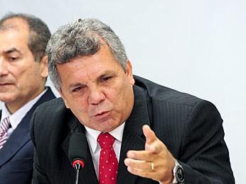 Ex-deputado Alberto Fraga durante audiência sobre posse de armas de fogo na Câmara dos Deputados em 2012 (Foto: Lúcio Bernardo Jr. / Agência Câmara)