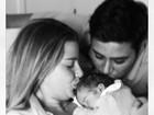 Debby Lagranha posa ao lado da filha e do marido: 'Felicidade completa'
