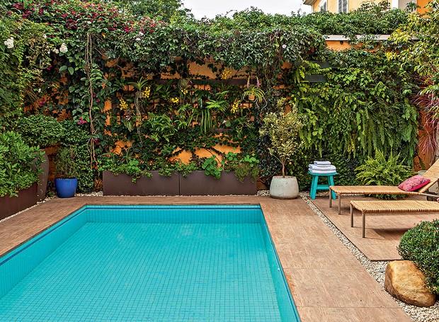 Piscinas 30 projetos de todos os tamanhos e estilos for Plantas para piscinas