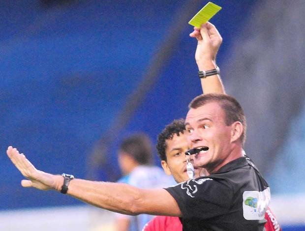Leandro Vuaden apitará a final da Taça Piratini (Foto: Marcelo Campos/Divulgação FGF)