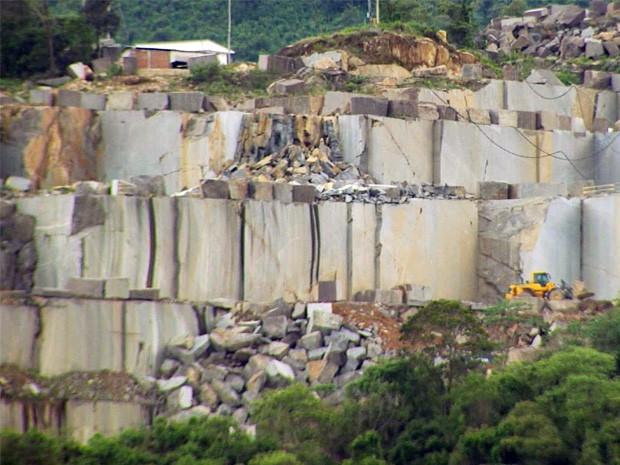 Grupo busca impedir instalação de mineradoras em serra de Caldas, MG (Foto: Reprodução EPTV)