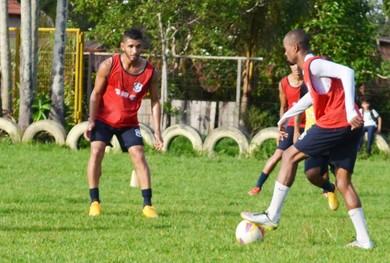 São Francisco intensificou os treinamentos para partida contra o Independente (Foto: Dominique Caveleiro/GloboEsporte.com)