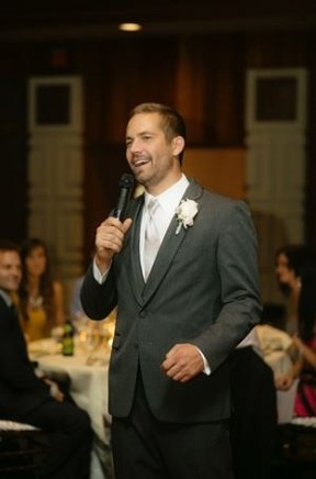 Paul Walker no casamento do irmão (Foto: Chard Photographer/Site Oficial)