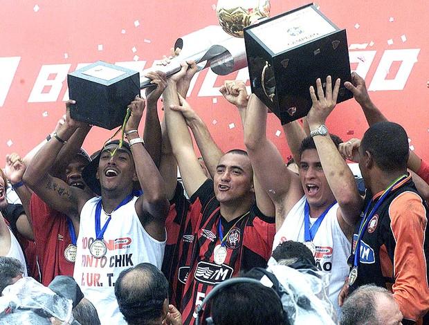 Resultado de imagem para Atlético Paranaense conquista o título brasileiro de 2001