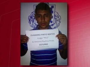 Suspeito de envolvimento no crime foi preso pela polícia (Foto: Reprodução/TV Sudoeste)