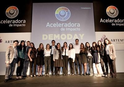 Os fundadores dos negócios sociais que se apresentaram no Demoday da Artemisia  (Foto: Divulgação)