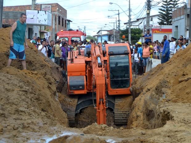 Acidente com operário na Bahia (Foto: Ed Santos/Acorda Cidade.)
