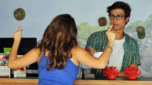 Malhação: Filipe e Nanda discutem no trabalho  (Globo)