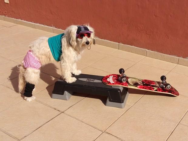 Pérola Carolline se preparando para os exercícios. (Foto: Alex Araújo/G1)
