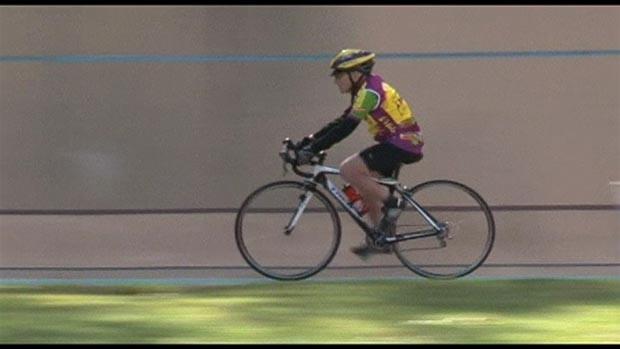Robert Marchand percorreu 100 km em 4 horas e 17 minutos (Foto: BBC)