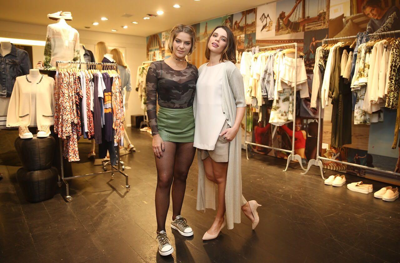 Isabella com Bruna Linzameyer (Foto: Divulgação)