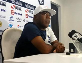 Cacaio, em entrevista coletiva (Foto: Samara Miranda)