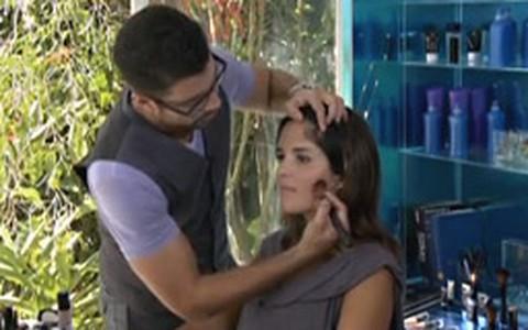 Como afinar o rosto com maquiagem
