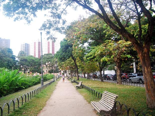 Praça de Casa Forte é considerada a primeira praça pública realizada por Burle Marx  (Foto: Roberta Rêgo/G1)