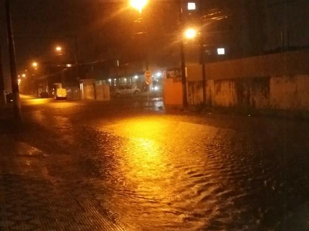 chuva em Ubatuba (Foto: Michele Silva)