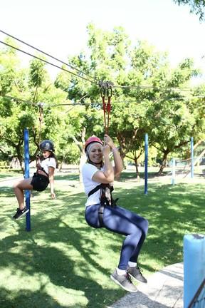 Solange Almeida se diverte em festa em um parque em Fortaleza, no Ceará (Foto: Moisés/ Estudio3/ Divulgação)