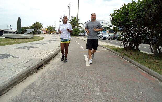 Lucila Vianna e Sebástian Pereira corrida Eu Atleta (Foto: Igor Christ / Globoesporte.com)
