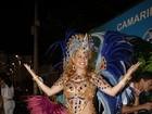 Na avenida ou nos camarotes, grávidas caem no samba