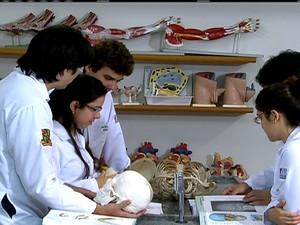 MEC anuncia que pode abrir cursos de medicina pelo país (Foto: Reprodução Globo News)