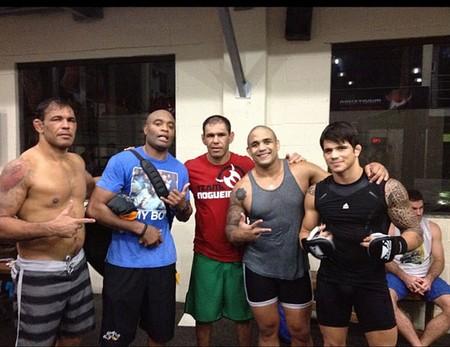 lutadores Rodrigo Minotauro, Anderson Silva, Rogério Minotouro, Rafael Feijão e Erick Silva. (Foto: Reprodução / Instagram)
