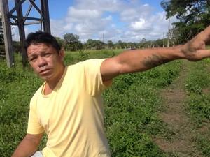 Servente Nonato França, morador do bairro Goiabal (Foto: Abinoan Santiago/G1)