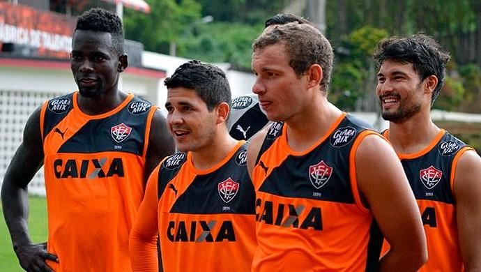 Treino do Vitória; Kanu; Marcelo Mattos; Diego Renan; Pedro Ken (Foto: Divulgação/EC Vitória)