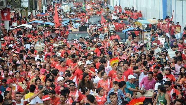 Veja fotos da comemoração do Garantido pelas ruas de Parintins (Marcos Dantas/ G1 AM)