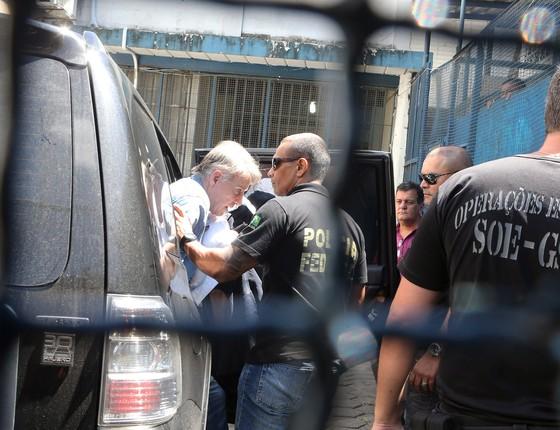 Eike Batista ao chegar ao presídio Ary Franco, no Rio de Janeiro. Justiça negou Habeas Corpus, e empresário segue preso (Foto: Guilherme Pinto / Ag. O Globo)