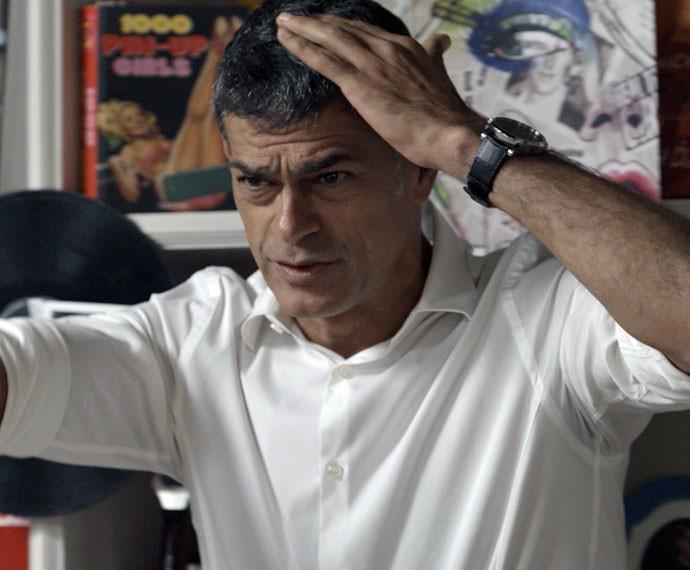Orlando é agredido pela loira (Foto: TV Globo)