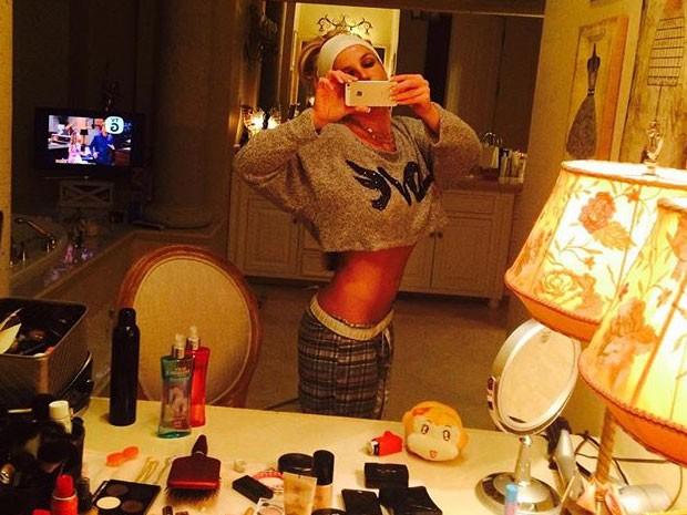 Britney Spears tira selfie em espelho (Foto: Instagram/ Reprodução)