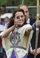 Kate Middleton atira flechas e usa bata de R$ 1,7 mil em visita ao Butão