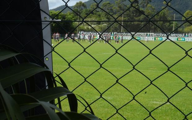 Figueirense faz treino fechado no CFT do Cambirela (Foto: João Lucas Cardoso / globoesporte.com)