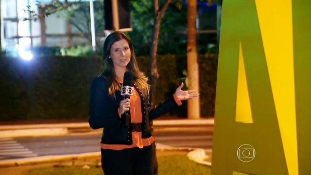 Cristiane Amaral, repórter da TV Tribuna, em São Paulo (Foto: Reprodução/TV Globo)