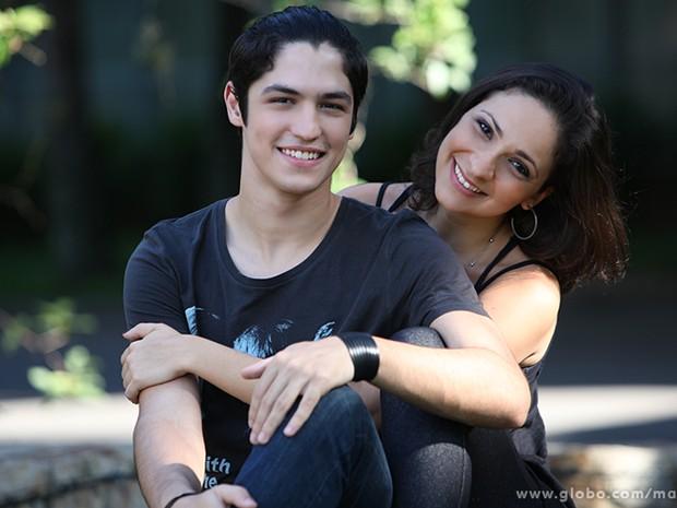 Gabriel Leone, o Antônio de Malhação, namora a atriz Sabrina Korgut, de Pé na Cova, há oito meses (Foto: Carol Caminha / TV Globo)