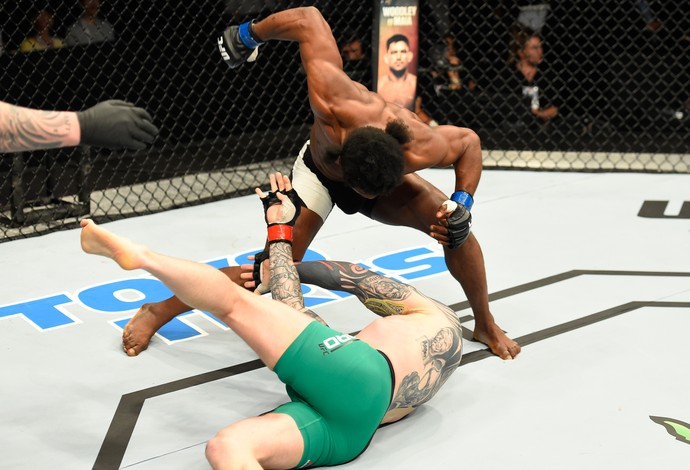 Galore Bofando Charlie Ward UFC Escócia (Foto: Getty Images)