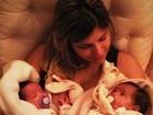 Dentinho posto foto de Dani Souza com as duas filhas no colo