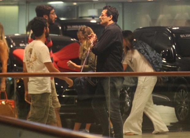 Sasha e Luciano Szafir fazem passeio em família (Foto: AgNews)