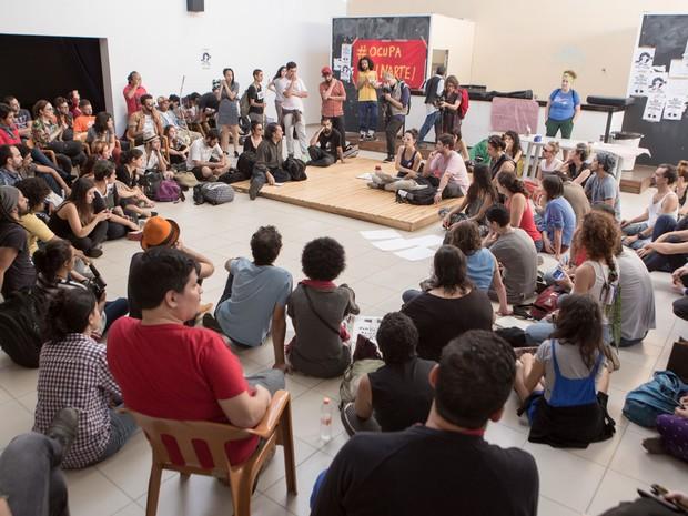 Artistas e ativistas ocupam dependencias da Funarte em São Paulo nesta tarde. Movimento é uma reaçao à extinção do Ministério da Cultura (Foto: Mauricio Pisane/FramePhoto/Estadão Conteúdo)