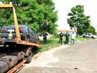Operação retira carros abandonados das principais ruas de Araras, SP