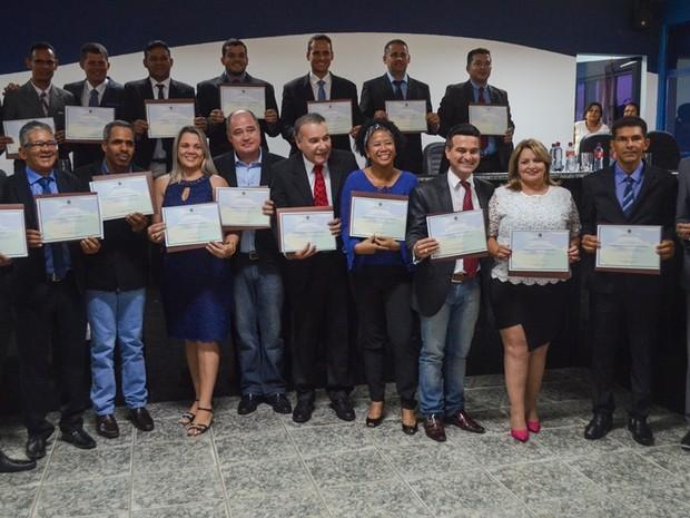 Eleitos em 2016 em Ji-paraná são diplomados pela Justiça Eleitoral (Foto: Decom Prefeitura / Divulgação)