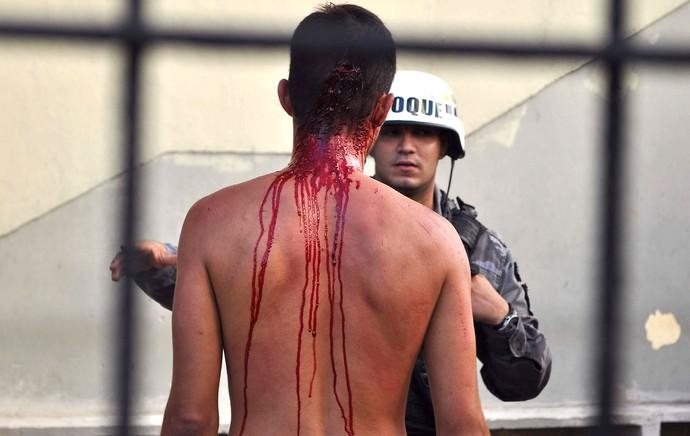 Briga de Torcida, Sport X Santa Cruz (Foto: Ademar Filho / Estadão Conteúdo )