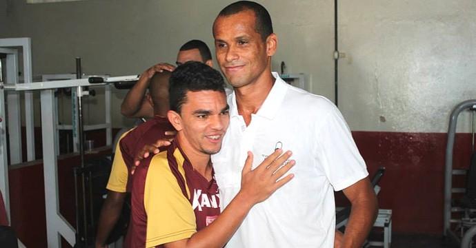 Rivaldo e Edson Ratinho (Foto: Geraldo Bertanha/ Mogi Mirim)