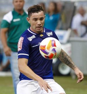 Mena, lateral do Cruzeiro (Foto: Washington Alves / Light Press)