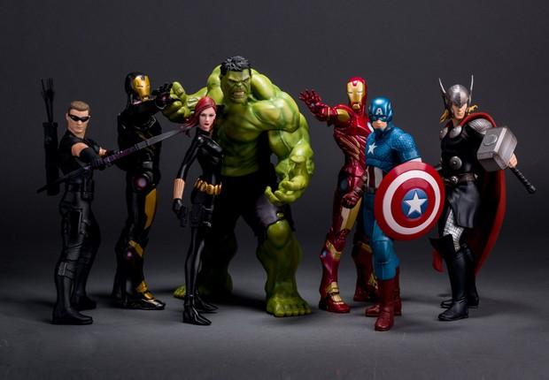 Bonecos colecionáveis dos Vingadores (Foto: Reprodução/Facebook)