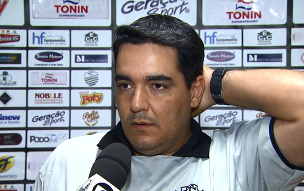 Tuca Guimarães, técnico do Comercial