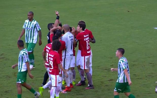 Diego Real marca pênalti para o Juventude contra o Inter