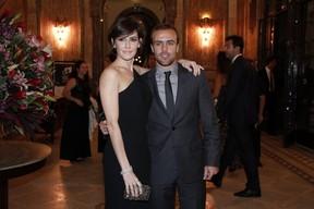 Deborah Secco e Roger Flores no Prêmio de Cinema Brasileiro (Foto: Roberto Teixeira / EGO)