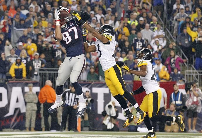 Rob Gronkowski touchdown new england patriots x steelers nfl (Foto: Reuters)