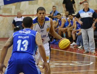Manny Quezada São José x Rio Claro Basquete (Foto: Filipe Rodrigues)
