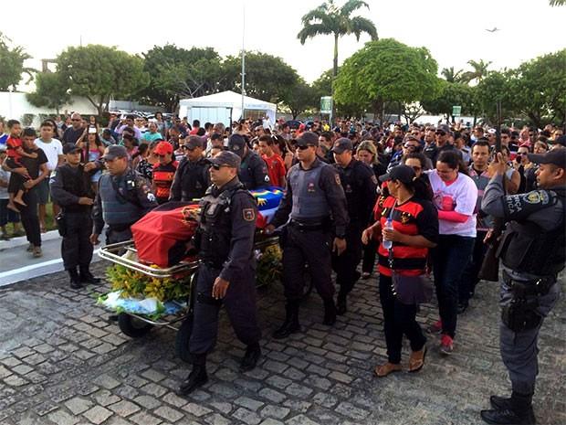 Soldado Marcos Antônio foi baleado na cabeça na manhã de sexta-feira (30)   (Foto: Kleber Teixeira/Inter TV Cabugi)